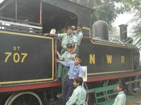 RRF kids (from Remedial classes) visit Rail Museum and India Gate